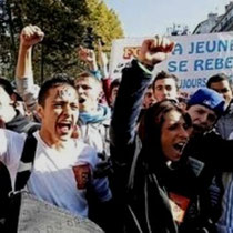 Massive strejker og oprør ryster Sarkozy-regeringen