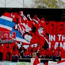 Thailands rødskjortebevægelse nedkæmpes af regeringstropper