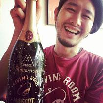 開店祝い オリジナルシャンパン ワイン マグナムボトル オーダーメイド 格安 名入れ 製作 東京 スワロ ロゴ入れ