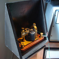 I6QON (c) 1917 Bunnell sounder and homebrew resonator