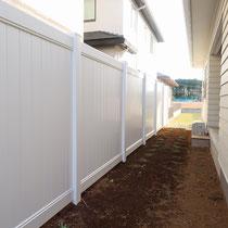完了後、プライバシーが確保されたフェンスが出来ました。