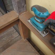 一ヶ所一ヶ所、高速サンダーで研磨できるところを磨いていきます。