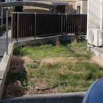 施工前のお庭の様子、雑草に覆われてしまい手が付けられずにおりました。