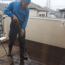 最後の仕上げに高圧洗浄。濡れているとどの位綺麗になったかが判りにくいです。