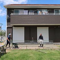広い面積のコンクリート打設、デッキ作成後も雑草の発生を心配することがないです。
