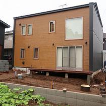 まずは不要な土の処分をして、コンクリート打設の準備をします。
