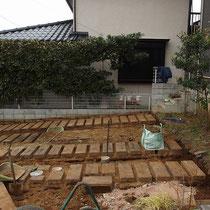 土を掘削し終わったところ。