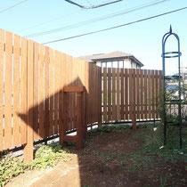 完成、敷地に合わせてすっきりと奇麗にフェンスができました。