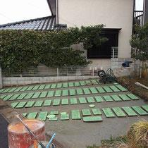 下地のコンクリート舗装が完了。