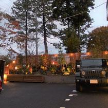 敷地の突き当り部分が美しいガーデンになりました。全体の景観が引き締まりホテルの美観も上がります。