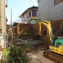 解体スタート、植物と木材、石材、金属、レンガ、コンクリートガラと様々な産廃処分がありました。