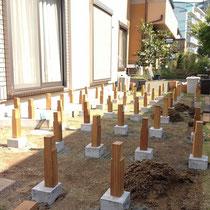 はさみ束で頑丈に作ろうとすると、束柱がこんなにたくさん。