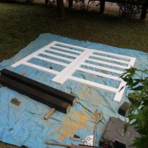 工場で作成、塗装を済ませた材料。使う素材は少なくても難易度は高い扉工事です。