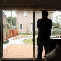 完成した様子、お部屋からの眺めがとても良くなり、カーテンを開ける頻度が増えますね。