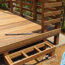ステップ取付時、あらかじめ枠材を加工してしっかりとした構造に仕上げています。