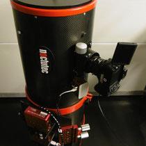 """10"""" f/4 mit eagle2 controll unit und sestosenso Fokusmotor. Für kabellose Steuerung des Teleskopes und automatisierten Temperaturdriftausgleich."""