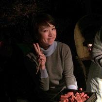 自慢の牛肉を持ってきてくれた恵子さん!