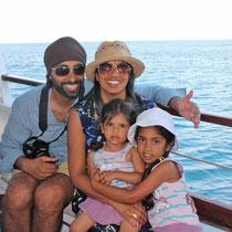Corfu 2015, Indische Familie beim Bootsausflug nach Kerkyra