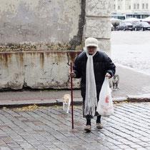 Елена Тиханова (lotos_tea), Выборг, Россия    Бабушка с кошками