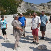 Signora Raffaela erklärt den Krater Solfatara