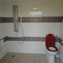 lot et bastides disabled bathroom 2018
