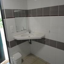 lot et bastides lavabo voor gehandicapten 2