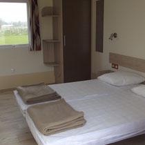 lot et bastides  Mobilhomes für Behinderte geeignet Schlafzimmer