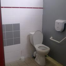 lot et bastides  wc para minusvalidos PMR