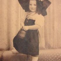 Ma cousine Françoise, née en 1936.