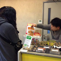 2016.1.30Apollonの物販でドライフルーツ販売!