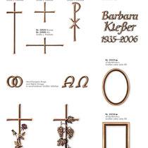 Schrift Antiqua Prisma Kreuze