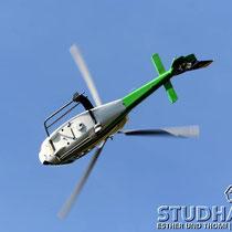 """Akrobatik nicht nur mit Modellhelis: Waghalsige Vorführungen der """"echten"""" Heli-Gotthard"""