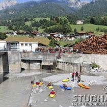 Die Staustufe des Kraftwerks Erlenbach im Simmental
