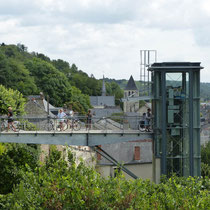 Aufzug für Gehfaule zum Château
