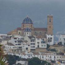 Altea mit der Kirche auf dem Berg