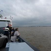 Die Elbe ist breit hier