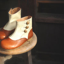 antique boots 19cm / camel x white