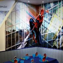 Spiderman-Ecke 6-8 Sitzplätze, gegenüber Schlittschuhverleih