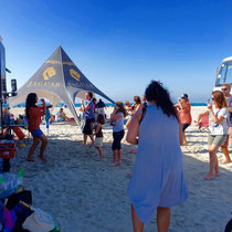 Homeschooling-Event an der Al Sufouh Beach in Dubai - Bollywood Dancing