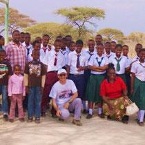 Zusammen mit Kollegen und Schülern unternahm er eine Exkursion in den Tarangire Nationalpark.