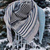 Hauptfarbe muschel (Tuch gestrickt und fotografiert von Andrea Hugel) Set 750m 4-fädig