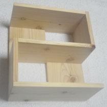 きらめ樹ヒノキの飾り棚を、市松をテーマに製作しました。仕口と膠で接着しています。