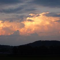 Der Vollmond blieb hinter mächtigen Wolken verborgen