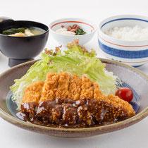 みそかつ定食 1300円(+税)
