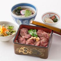 ステーキ重セット 1800円(+税)