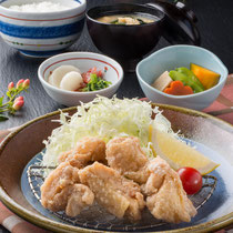 唐揚げ定食 1150円(+税)