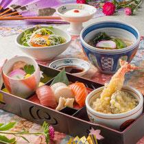 レディース御膳 1300円(+税)※選べるミニ丼(鮭いくら・ねぎとろ・ソースカツ・天丼)