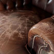 Oft sind nur Teile eines Ledersessels nicht mehr alltagstauglich - hier Sitz und Armlehnen.