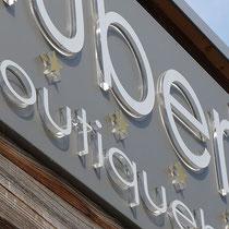 Edle Leuchtbuchstaben für Hubers Boutiquehotel, Mayrhofen
