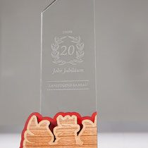 Wunderschöne Sporttrophäen aus Holz- und Plexiglas